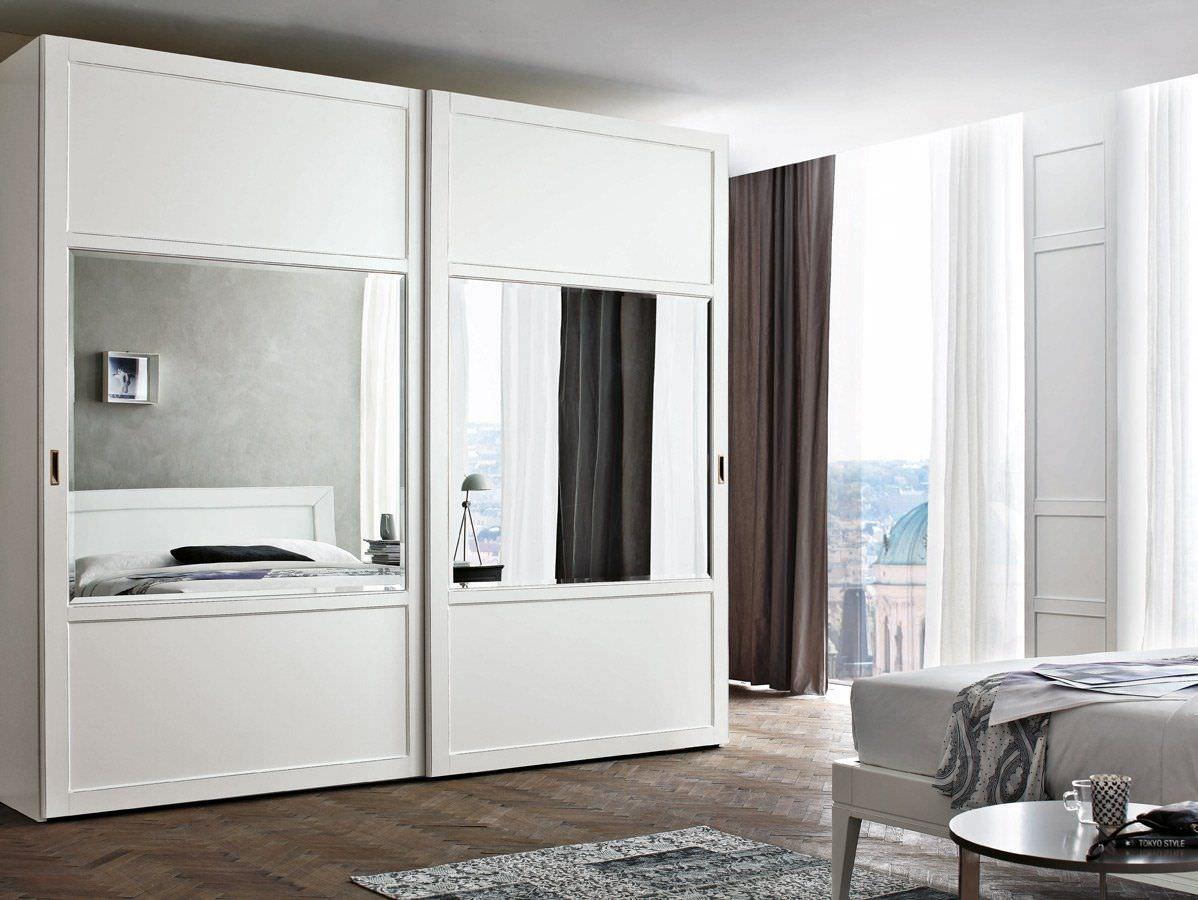 Armario lacado blanco puertas correderas lac espejo c puertas jemofer - Puertas de armarios empotrados de diseno ...