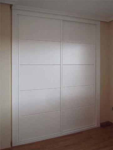 Armario empotrado puertas correderas lacadas c lac08 for Puertas para armarios