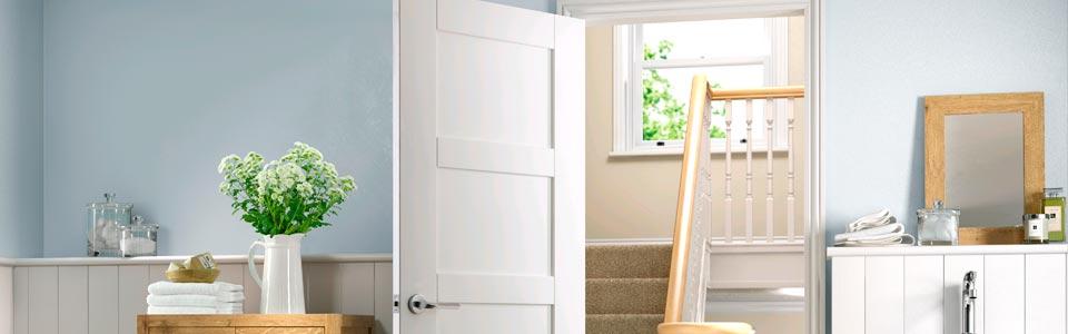 puertas lacadas blancas en block